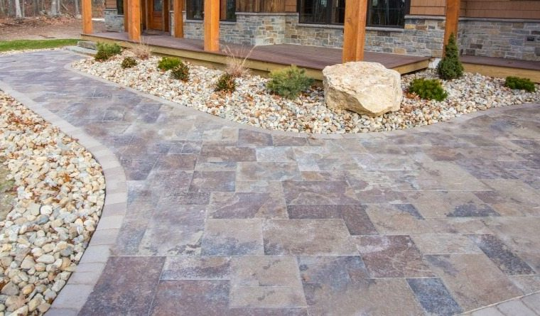 Stone-Pavers-vs-Concrete-Pavers